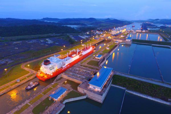 Gas-Natural-Licuado-Canal-de-Panamá